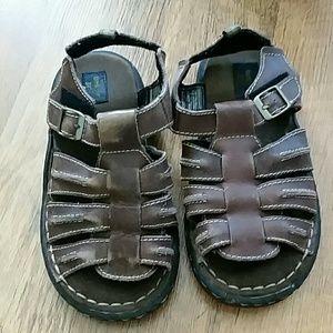 Oshkosh leather sandals